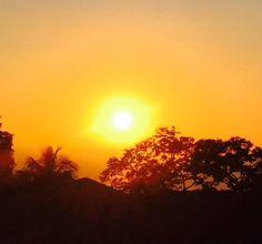 Assistir mais vezes ao pôr-do-sol... Momento de reflexão e gratidão pelo dia que se foi!