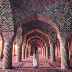 Beautiful 😍 Iran 🇮🇷 Photos by 🌎🌍🌏 Persian Architecture, Light Architecture, Architecture Design, Monumental Architecture, Creative Architecture, Sacred Architecture, Building Architecture, Home Studio Photography, Travel Photography