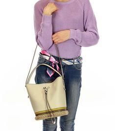Furla női táskák, stílus, elegancia, egyediség. Egy igazi ikon a divat világában Ikon, Bucket Bag, Shoulder Bag, Bags, Fashion, Elegant, Handbags, Moda, Fashion Styles