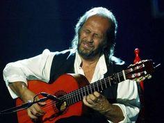 """Hola Amigos En nuestra sección """"FOTOGRAFÍA FLAMENCA"""" de esta semana, hemos elegido al Maestro de Maestros Francisco Sánchez Gómez (Algeciras, provincia de Cádiz, España, 21 de diciembre de 1947 - Playa del Carmen, Quintana Roo, México, 25 de febrero de 2014), mas conocido por su nombre artístico """"PACO DE LUCÍA"""", músico, guitarrista y compositor Flamenco, resumiendo toda su larga carrera y aportación a la guitarra flamenca es mas conocido como un Genio de nuestro arte…"""