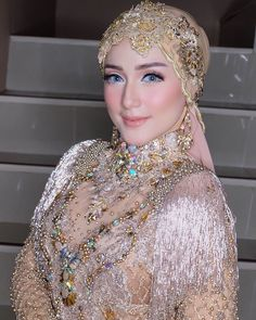 Indian wedding makeup bridal looks make up 65 ideas for 2020 Muslimah Wedding Dress, Wedding Hijab, Kebaya Wedding, Hijab Bride, Wedding Hair, Dream Wedding, Indian Wedding Makeup, Bridal Makeup, Indian Bridal Hairstyles