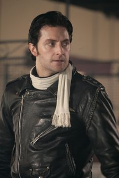 """Richard Armitage as bad boy biker Ricky Deeming, in BBC's George Gently Pilot Episode, """"Gentley Go Man"""" The BBC and its infinite wisdom in keeping its men in black leather. Long Live the Beeb! Richard Armitage Hobbit, Tv Detectives, Mr Right, King Richard, Gentleman Style, Dapper Gentleman, Character Outfits, The Hobbit, Jackson"""