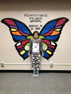 """Students are eager to try out the new Butterfly Wings mural. School Wall Decoration, School Decorations, Murals Street Art, Street Wall Art, Angel Wings Wall, School Murals, Ecole Art, Mural Wall Art, Collaborative Art"