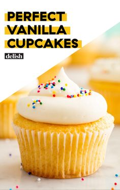 Easy Vanilla Cupcake recipe from scratch – Who doesn't love a homemade light and fluffy Vanilla cupcakes? Especially homemade cupcakes made from scratch? Best Vanilla Cupcake Recipe, Homemade Cupcake Recipes, Moist Vanilla Cupcakes, Cupcake Recipes From Scratch, Easy Cheesecake Recipes, Easy Cookie Recipes, Easy Desserts, Dessert Recipes, Vanilla Desserts