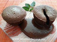 Coulant o volcán de chocolate. Fácil y muy muy rico !!! http://lacocinadepedroyyolanda.blogspot.com.es/2015/05/coulant-volcan-de-chocolate-cocina-facil.html