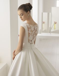 Robe Bobbie #collection 2018 #airebarcelona ! #robesdemariee #robes #wedding #weddingdress #dress #bridal #mariée #mariage