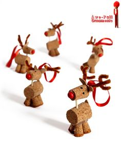 A herd of cork reindeer kids crafts Easy Christmas Crafts, Noel Christmas, Christmas Projects, Winter Christmas, Christmas Decorations, Christmas Ornaments, Reindeer Ornaments, Reindeer Craft, Cork Ornaments