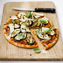 Courgette Pizza with Onion, Pesto and Parmesan  Weight Watchers recipe  3ProPoints® Value  Prep time:  20 min  Cook time:  10 min  Other time:  0 min  Serves: 4  This is a brilliant pizza – and it's perfect for anyone who's not too keen on tomatoes