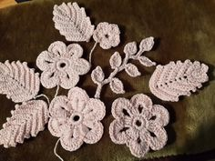 Ирландское кружево. Цветочные мотивы - 2 Irish Crochet Patterns, Crochet Motifs, Freeform Crochet, Thread Crochet, Crochet Designs, Crochet Leaves, Crochet Flowers, Russian Crochet, Irish Lace