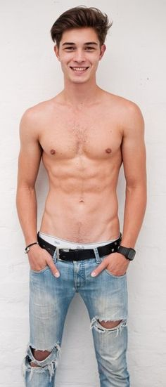 Francisco Lachowski... soooo my type, skinny ripped as I fondly call it ;)