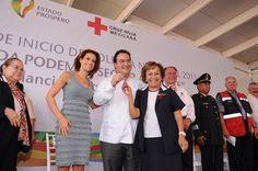 El gobernador Javier Duarte de Ochoa exhortó a la población veracruzana a seguir contribuyendo y aportando sus donativos para fortalecer a la benemérita institución.