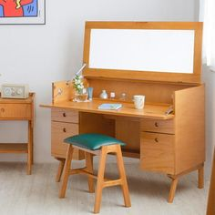 64 Super Ideas For Small Closet Wood Furniture Vanity, Dream Furniture, Small Furniture, Furniture Making, Wood Furniture, Furniture Design, Dressing Table Design, Diy Vanity, Workplace Design