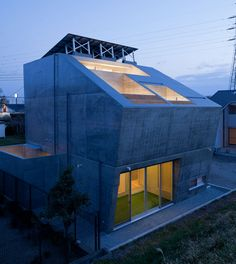 Japanse studio - level architects - has designed 'house in fuji', a single-family home in shizuoka, japan. 