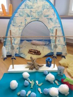 winter dramatic play - life in the arctic Polo Norte, Polo Sul, Dramatic Play Area, Dramatic Play Centers, Winter Fun, Winter Theme, Alaska Winter, Winter Activities, Preschool Activities