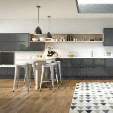 The Mackintosh Integral Gloss Anthracite kitchen comes in a modern style with a gloss finish. Browse the kitchen features and find a retailer near you. Cozy Kitchen, New Kitchen, Kitchen Dining, Kitchen Seating, Anthracite Kitchen, Dark Blue Kitchens, Modern Kitchens, Fitted Kitchens, Kitchen Modern