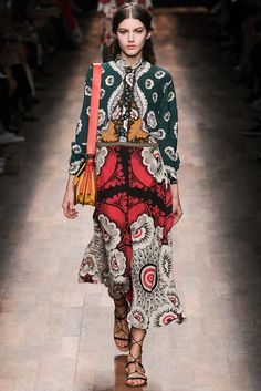 Valentino Spring 2015 Ready-to-Wear - Collection - Gallery - Look 16 - Style.com