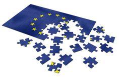 Lelio Demichelis «La cosa più triste, nella crisi europea, è l'ostinazione con la quale i leader europei al potere presentano la loro politica come l'unica possibile; e il loro timore per ogni scossa politica che possa alterare anche solo di poco l'attuale quadro istituzionale. La palma del cinismo spetta sicuramente [...]