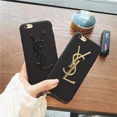 イヴ・サンローラン アイフォン8カバー 新品 YSL iPhone7/7sケース 黒い シンプル エレガンス イブサンローラン アイフォン7カバー ゴールドロゴ 芸能人愛用