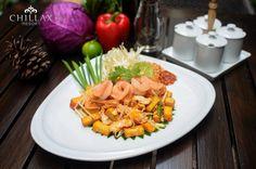"Pranakhon Restaurant present ""Phad Thai Kung"" Fried Noodles with Shrimps bean spoutsegg scallion topped with ground peanuts. via http://ift.tt/1RNf9j7 #welcome #restaurante #restaurants #restaurantday #chillax #Bangkok #bkk #รมนำ #ถนนขาวสาร #รานอาหารแนะนา #อาหารอรอย #รววรานอาหาร #บางลำภ #เทยวบางลำภ"