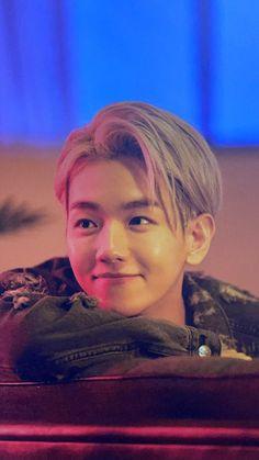 Baekhyun Chanyeol, Sulli, Jonghyun, Exo Lockscreen, My Sun And Stars, Cha Eun Woo, Exo Members, Fandom, Best Friend Pictures