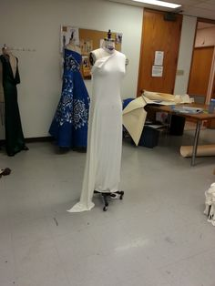 draping a dress Draping, My Works, Projects, Fashion Design, Dresses, Log Projects, Vestidos, Dress, Day Dresses