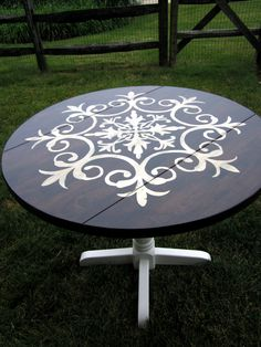 tutorial for how to make this medallion table!