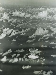 LC-DIG-DS-02949: Operation Crossroads, Able Test, July 1, 1946. Cloud rising after the detonation. U.S. Air Force photograph.