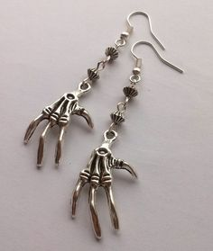 Zilveren oorbellen van skelet Halloween oorbellen door AzureAllure