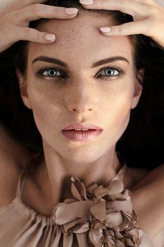 rysena EMILIE <3 photo Marta Zbieroń model Emilia Kokoszkiewicz designer Małgorzata Motas mua/hair/styl RYSENA Agata Dobosz