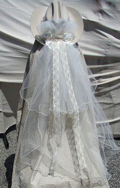 3fe6a6b8c154975c6949626ffb99aa02  western wedding ideas country western weddings - Western Wedding Veils
