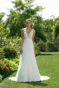 Check out the romantic new wedding dresses from the latest Fall Winter 2018 Sweetheart Gowns Collection! Make all your dreams come true and explore the fun and flirty bridal styles! Wedding Dresses Under 100, Lace Wedding Dress, Wedding Dresses With Straps, Modest Wedding Dresses, Perfect Wedding Dress, Wedding Dress Styles, Designer Wedding Dresses, Bridal Dresses, Wedding Gowns