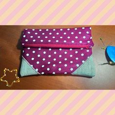 Make up pouch Material: Cotton mix Linen IDR: 50K