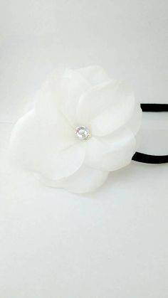 Check out this item in my Etsy shop https://www.etsy.com/listing/510057128/flower-hair-band-elastic-band