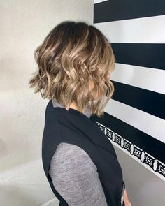 Best Images 30 New and Modern Bob Haircuts to Copy This Year Ideas Who invented the Bob hair? Bob has been primary the league of tendency hairstyles for decades. Graduated Bob Haircuts, Asymmetrical Bob Haircuts, Inverted Bob, Choppy Haircuts, Modern Bob Haircut, Line Bob Haircut, Wavy Bobs, Blonde Bobs, Angled Bobs