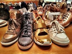 Michael Khors i love th sneakers more than anythig Michael Khors, Nike Air Force, Me Too Shoes, Footwear, Sneakers Nike, Pairs, My Style, Womens Fashion, How To Wear