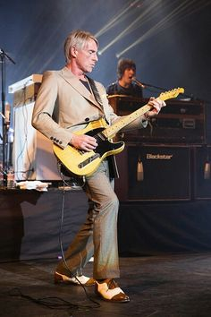The Modfather - Mr Paul Weller! Music Icon, I Icon, The Style Council, Paul Weller, Rock News, Teddy Boys, Classic Sports Cars, Skinhead, Music Is Life