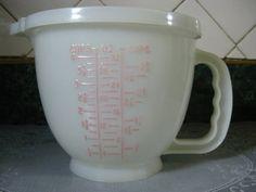 Vintage Tupperware Four Cup Measuring by SallysVintageKitchen, $29.00
