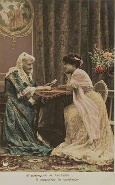 Wonderful vintage pic of a tarot card reader Belle Epoque, Vintage Tarot Cards, Gypsy Fortune Teller, Fortune Telling Cards, Vintage Gypsy, Vintage Witch, Vintage Girls, Tarot Readers, Card Reader
