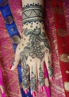 Indian Mehndi Designs For New Year Parties