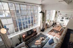 Royal living room th
