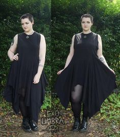 VERY floaty and swishy dress! Great for Strega and dark mori fashions too, would look fab with a big scarf and a over sized knitted cardigan.Dress features four triangular panels one large and… Continue Reading → Witch Fashion, Gothic Fashion, Plus Size Goth, Estilo Dark, Vampire Dress, Witchy Outfit, Dark Mori, Mori Fashion, Mode Plus