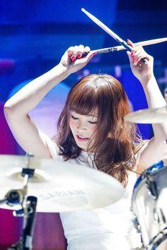 Suzuki Rina - Drums