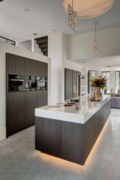 Modern Home Decor Kitchen Home Decor Kitchen, Kitchen Furniture, New Kitchen, Kitchen Interior, Home Kitchens, Küchen Design, House Design, Cuisines Design, Modern Kitchen Design