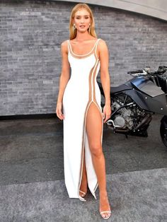 """Rosie Huntington-Whiteley attends the premiere of the """"Fast & Furious Presents: Hobbs & Shaw"""" film wearing an asymmetric gown. The custom-made dress features a nude illusion design enriched with delicate beading. Casual Outfits, Fashion Outfits, Fashion Trends, Rosie Huntington Whiteley, Fashion Videos, Hobbs, Celebrity Style, Celebrity Jewelry, Cover"""