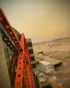 """Gefällt 25 Mal, 0 Kommentare - Bruno Lauper (@brunoboeing787) auf Instagram: """"Sahara Staub Airport Zurich 06.02.2021 • • #motionleap #redsky #opc1 #saharastaub #zrh…"""""""