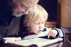 """Está em andamento a campanha """"Leia para uma criança"""", que tem o objetivo de incentivar os adultos a contarem histórias para os mais novos. O projeto, realizado pela Fundação Itaú, oferece livros infantis gratuitamente para os interessados em participar."""