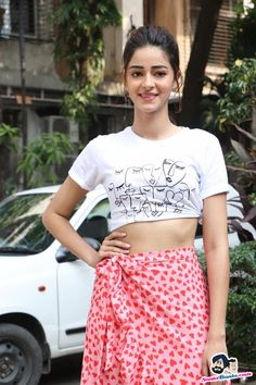 Ananya Panday Picture Gallery image # 383028 at Pati Patni Aur Woh Promotion containing well categorized pictures,photos,pics and images. Hindi Actress, Bollywood Actress Hot Photos, Indian Bollywood Actress, Bollywood Girls, Beautiful Bollywood Actress, Most Beautiful Indian Actress, Beautiful Actresses, Indian Actresses, Rakul Preet Singh Saree