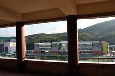 Student Union seen through Pilotis of International Bldg, Kookmin Univ. 필로티에서 본 학생회관, 국민대