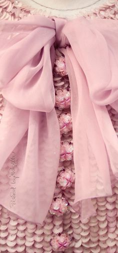 Chanel S/S 15 couture Chanel Couture, Couture Fashion, Couture 2015, London Fashion, Couture Details, Fashion Details, Moda Chanel, Lesage, Everything Pink