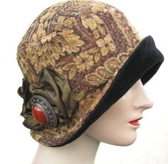 Vintage Reproduction Cloche Hat in Tapestry Fabric